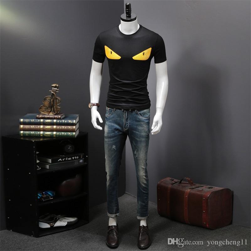 Mens de luxo Designer camisetas Moda Mens Vestuário 2,020 Casual Verão Streetwear Camiseta Mistura Rivet Cotton Crew Neck manga curta