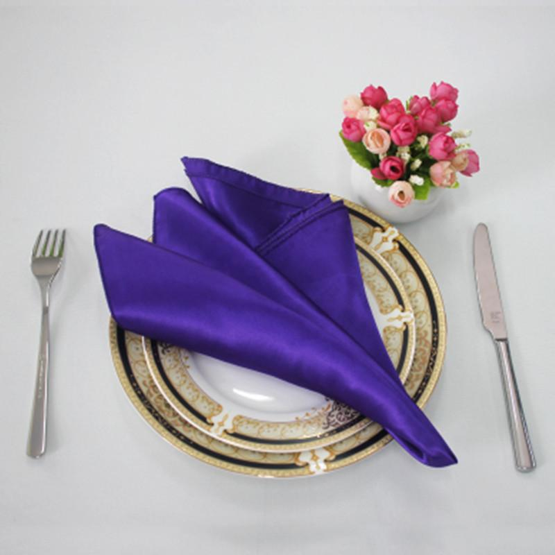 50pcs 30 * 30cm economico Tovaglioli raso Wedding Table Cena Tovaglioli Fazzoletti da tasca del partito della casa di evento di banchetto della decorazione della Tabella Y200328
