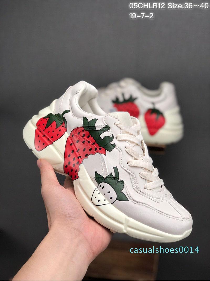 2019 Datum Rhyton Ledersneaker Mens Designer-Schuhe mit Erdbeer Welle Mund Tigerdruck Luxuxweinlese-Trainer Frauen Designer C14