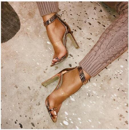 Nuevos modelos de explosión de verano en Europa y América. Correas de tacón alto. Zapatos romanos. Las sandalias de tacón alto tienen 40 yardas.