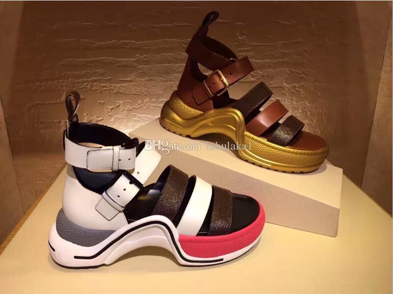 Os mais recentes Couro Mulheres Popular Sandália Striking Gladiator Estilo Leather Outsole Perfeito Plano lona Plain Sandal