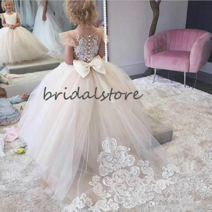 Cute Ball Gown Flower Girls Dresses With Appliques Jewel Neck Short Sleeve Button Back Big Bow Girls Pageant Party Gowns 2020 Kids Wedding Flower Dress For Girl Flower Girl Dress Online From