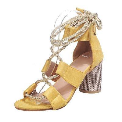 2020 лета новых моделей женской обуви взрыв моды случайного дикого большого размера высокой пятка сандалия