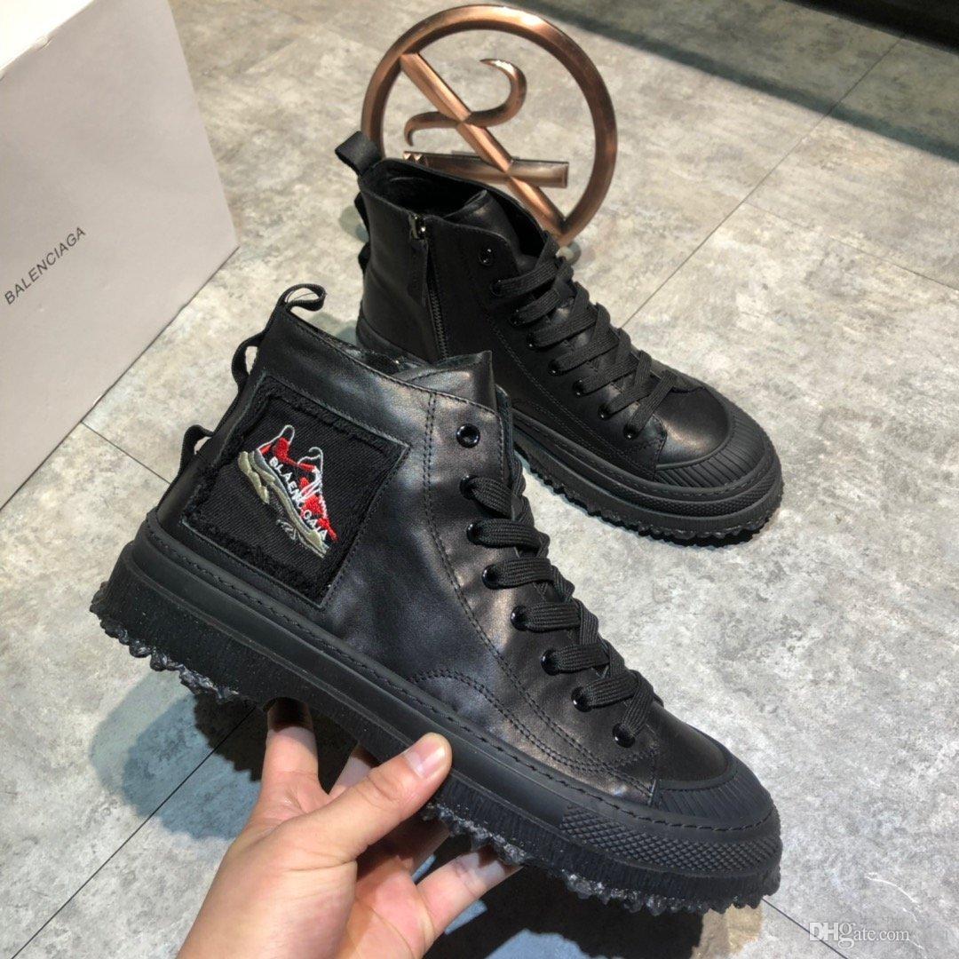 2019 en kaliteli Martins Kürk Çift Oxfords Ayakkabı siyah dantel kaymaz krampon açık şişelerin ücretsiz kargo