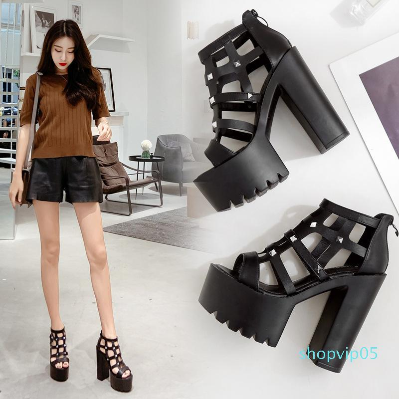 Hot2019 Out Hollow Rivet Super High Thick Bottomed With Woman Sandals