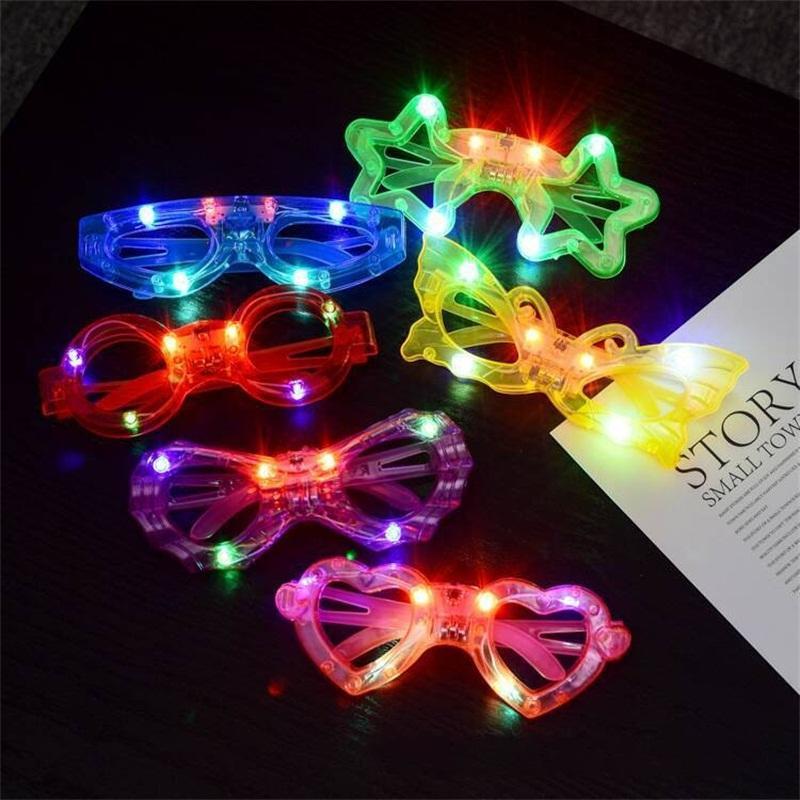 Piscando Partido olho de vidro da borboleta do coração Luz LED Óculos Plástico redondo Estrela Aranha Design Brinquedo Miúdos do Natal de Ano Novo Eyewear 1 45ys E1