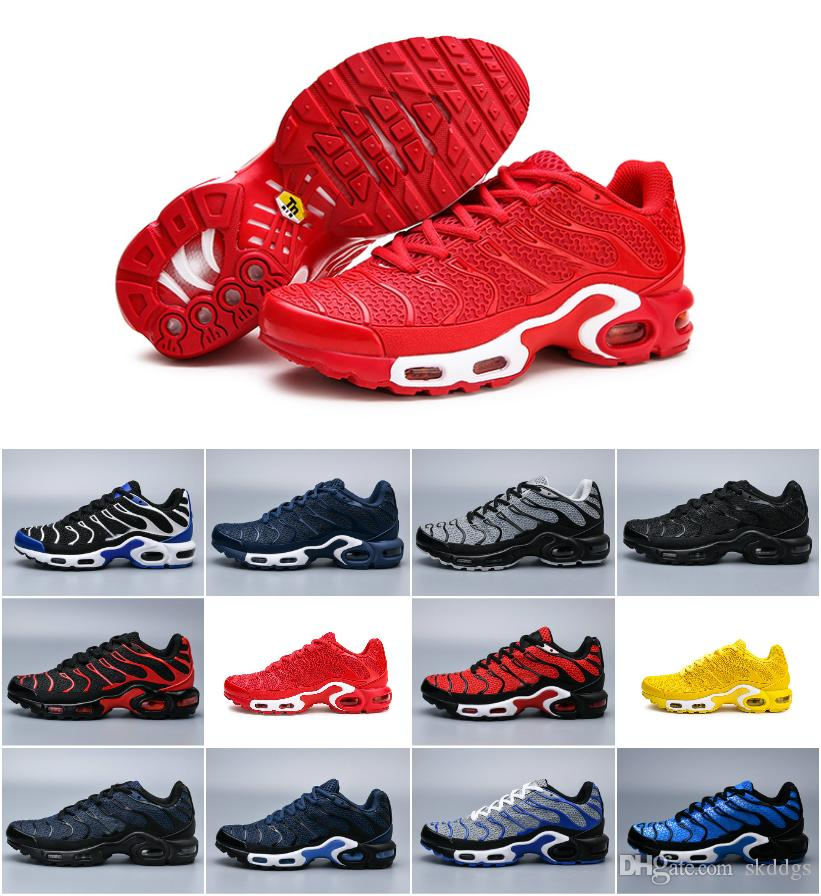 2019 Nuevos diseños Original Tn Shoes Moda Hombre Chaussures aIR Tn Requin Zapatillas deportivas Zapatillaes Vapors Plus MERCURIAL Tn KUP Sneakers