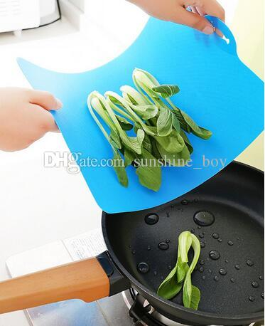 Plastique antidérapant Hang trou planche à découper nouvelle cuisine cuisine outils flexible PP 38 * 24 cm de la nourriture tranche coupé bloc à découper