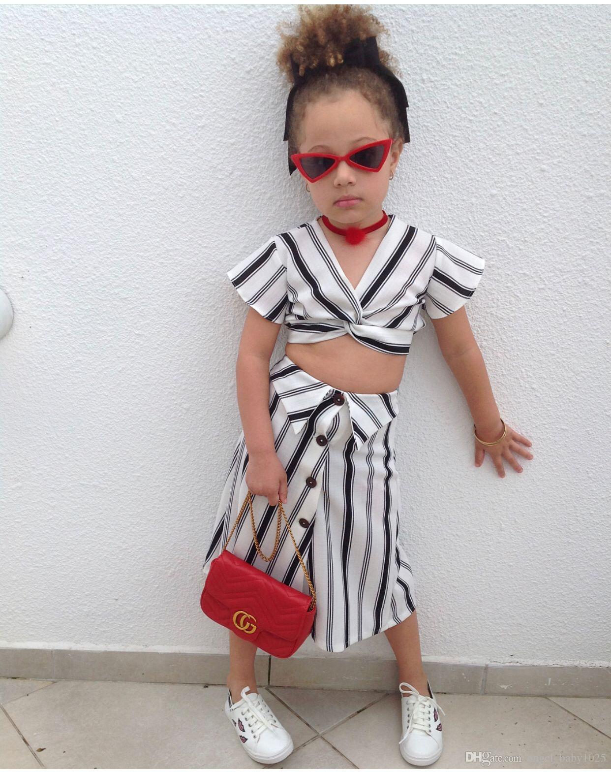 2019 neue Kinderkleidung Mädchen vertikale Kurzarm Sommer zweiteilige Anzug gestreiften fliegenden Ärmeln langen Rock Anzug