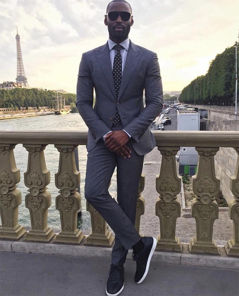 Tuxedos Groom gris foncé revers hommes Mariage Tuxedo Mode Hommes Veste Blazer Hommes Dîner / Costume Darty Custom Made (veste + Pantalon + Cravate) 1288