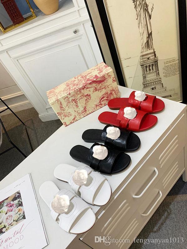 Sandalias de los zapatos del diseñador sandalias hebilla de metal de lujo vaca de la señora zapatillas Negro Cuero Plano talón mujeres del verano con original