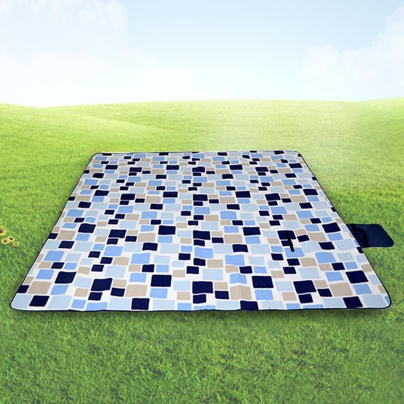 A prueba de humedad al aire libre Planta práctica Beach Blanket película de aluminio que acampa portable con la manija plegable espesa la alfombra de picnic