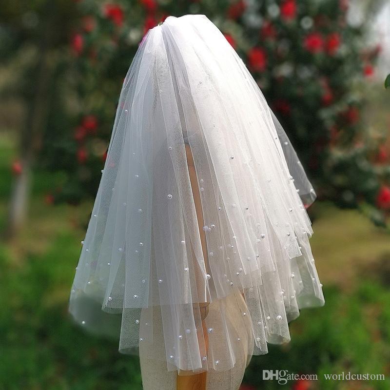 Nueva Capa elegante del diseñador de moda Dos superventas del borde del corte perlas longitud de la muñeca blanca Veilse nupcial Champagne Red de Marfil