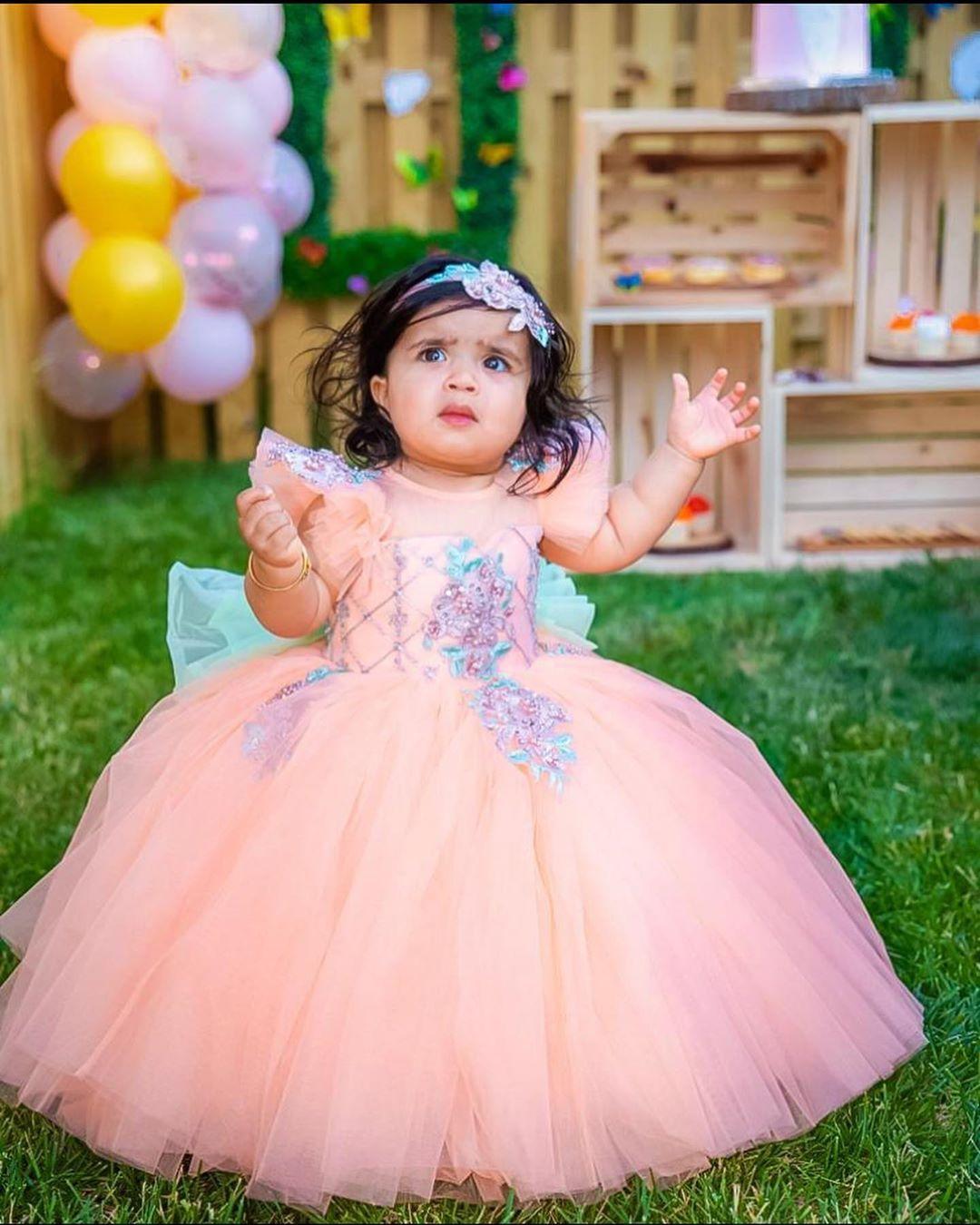 핑크 레이스 페르시 꽃의 소녀 드레스 쉬어 목 얇은 명주 그물 어린 소녀 웨딩 드레스 저렴한 성찬식 선발 대회 드레스 가운 F3200