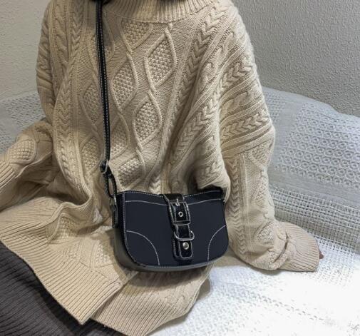 Заклепки цепи небольшой Crossbody сумки для женщин 2020 мода плеча сумка Леди роскошные сумки и кошельки a23 2003