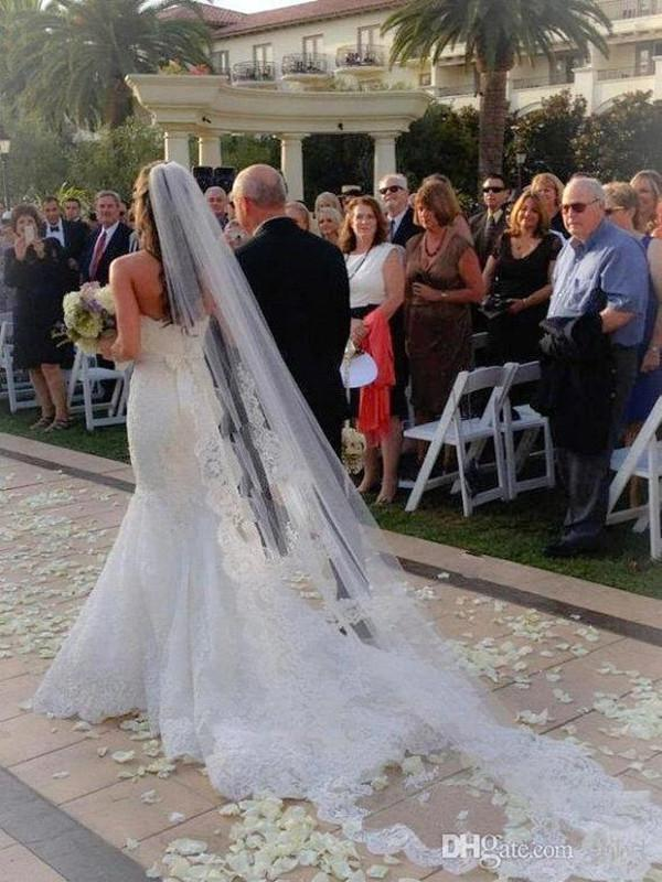 2020 Katedral Dantel Düğün Veils Dantel Kenar Bir Katmanlı Kilisesi Gelin Aksesuarları Ucuz Uzun Gelin Peçe