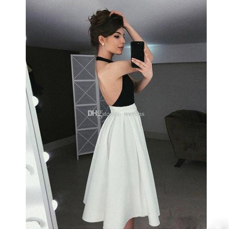 Compre Vestidos Sencillos De Cabestro Blanco Y Negro Vestidos De Fiesta Hasta La Rodilla Sin Espalda Vestido De Fiesta Corto Falda Plisada Vestidos De