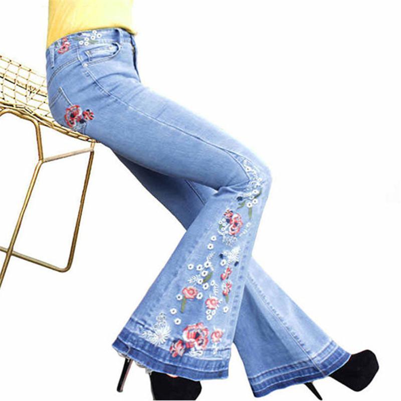 여성의 섹시한 빈티지 청바지 여성 캐주얼 의류 여성 자수 플레어 청바지 패션 디자이너 표백 데님 팬츠