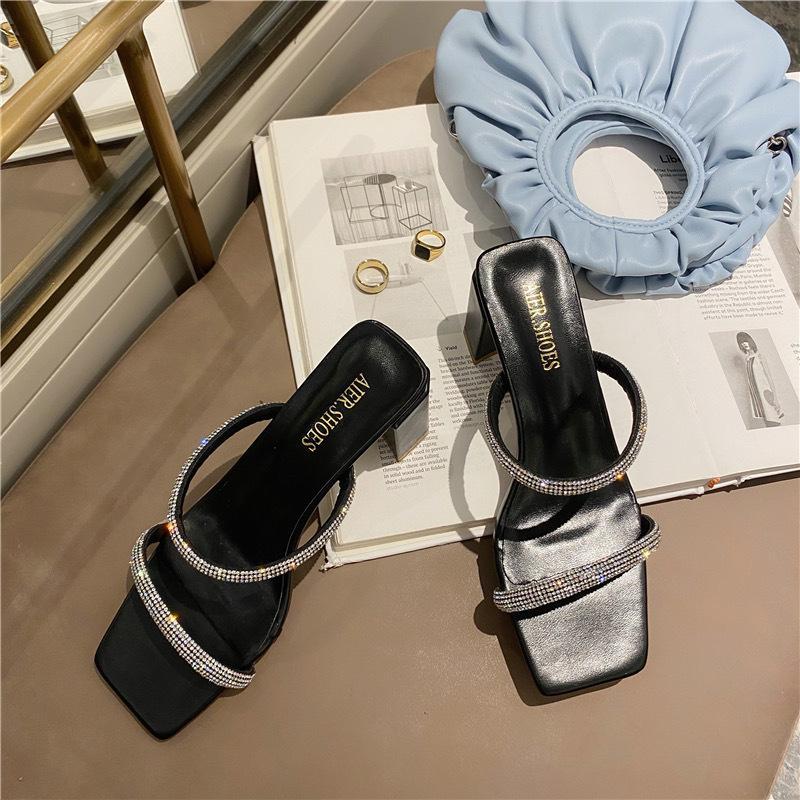 Schuhe quadratische Ferse Damenschuhe Gummi Flip Flops Slipers Frauen Glitzer-Slides Mode Pantoletten Low-Block Hawaiian 2020