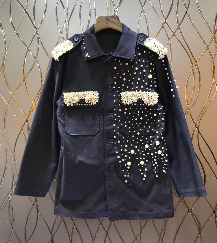 Moda-Nuevo de arribo mujeres de lujo de la perla Fosa de uñas moldeado pesado taladro simétrico decorativo bolsillo Epaulettes abrigo suelto