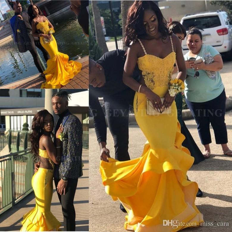 Abito Sexy Black Girls Prom Dresses 2019 elegante lungo Plus Size africano della festa giallo abiti convenzionali Backless Mermaid festa di laurea