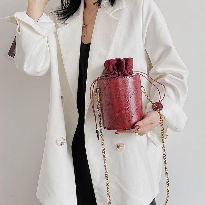 Pequeño bolso femenino de 2020 nuevas damas de mensajero hombro de la manera bolso de la hembra del verano cadena salvaje cubeta de bombeo