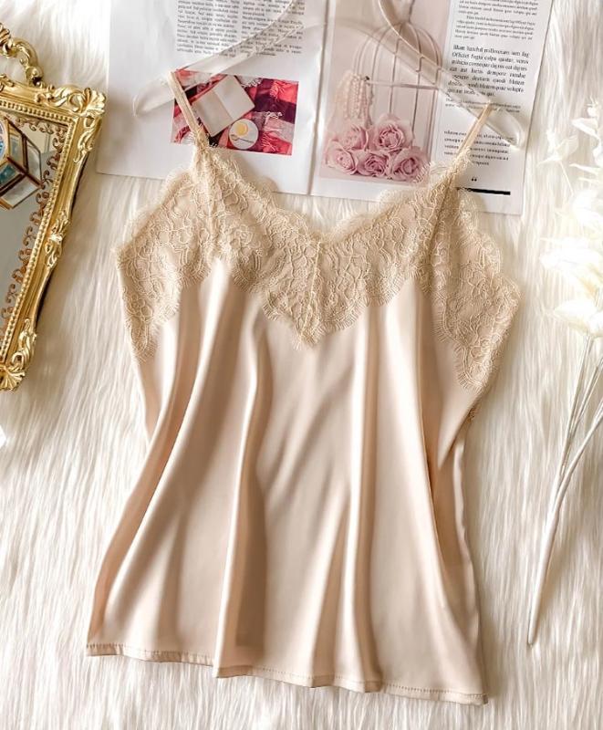 2020 Crop Tops camisa de seda de las mujeres sin mangas de la blusa de la manera del estilo del francés V profundo atractivo del cordón corto de la ropa interior suave para las mujeres Tops recortada