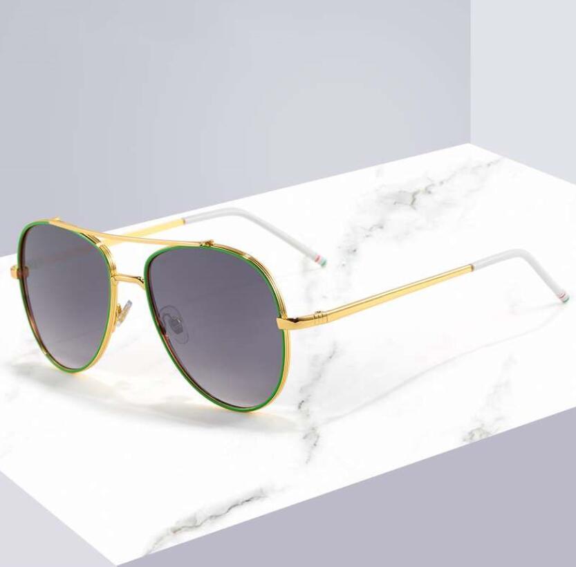 Nuevo diseño de la mujer para hombre del verano Lentes de sol 2020 gafas de sol playa de la manera Modelo 6039 UV400 4 en color de calidad superior