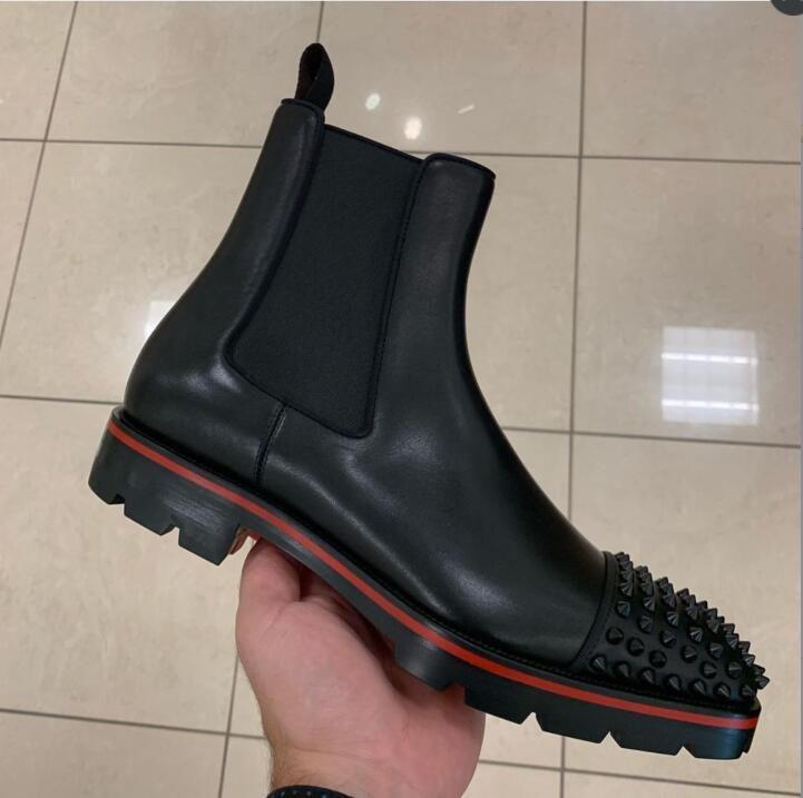 İtalya Moda Üst Tasarım Kırmızı Alt Çizmeler erkek Motosiklet Botları ayak bileği boot erkekler için Çivili Kalın Tabanlar Kırmızı Taban sneaker erkekler boot sivri dava