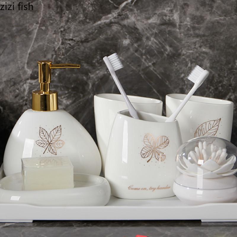 6шт / набор Золотые листья Керамика Аксессуары для ванной комнаты Набор мыла / держатель зубной щетки / массажер / мыльница Ванная Продукты T200518