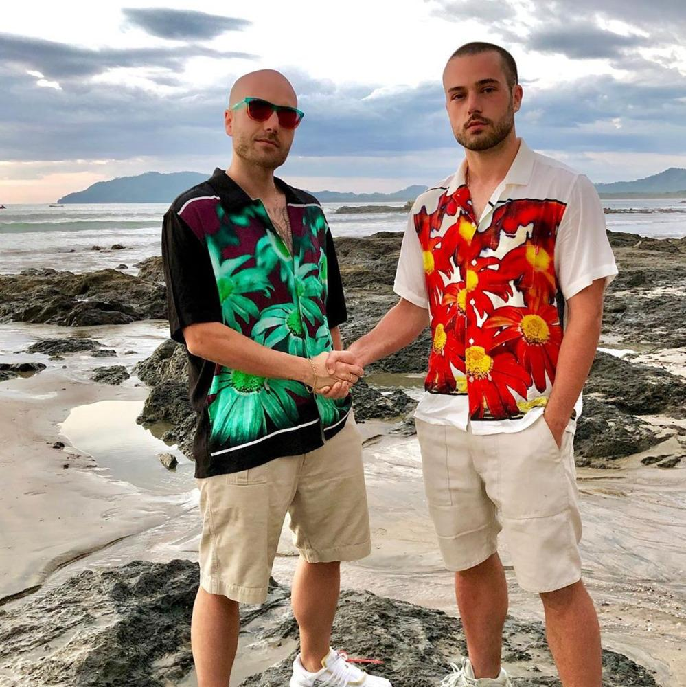 19SS Мода Европейской футболка Цветочных печатей Логотип питание Rayon рубашки Мода хлопок с коротким рукавом женщин и мужчины в футболках HFKYTX004