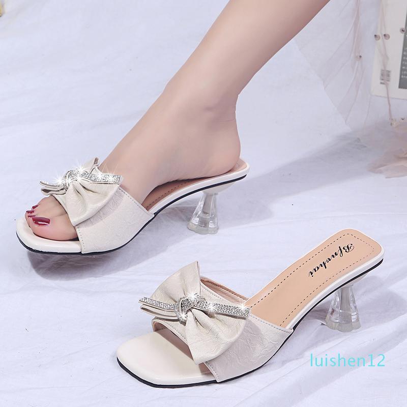 Cristal Bow Chinelos Mulheres Transparente Heel Sandals Verão Bege Verde exteriores elegantes Limpar Salto Chinelos Sandálias Mulheres 2020 l12