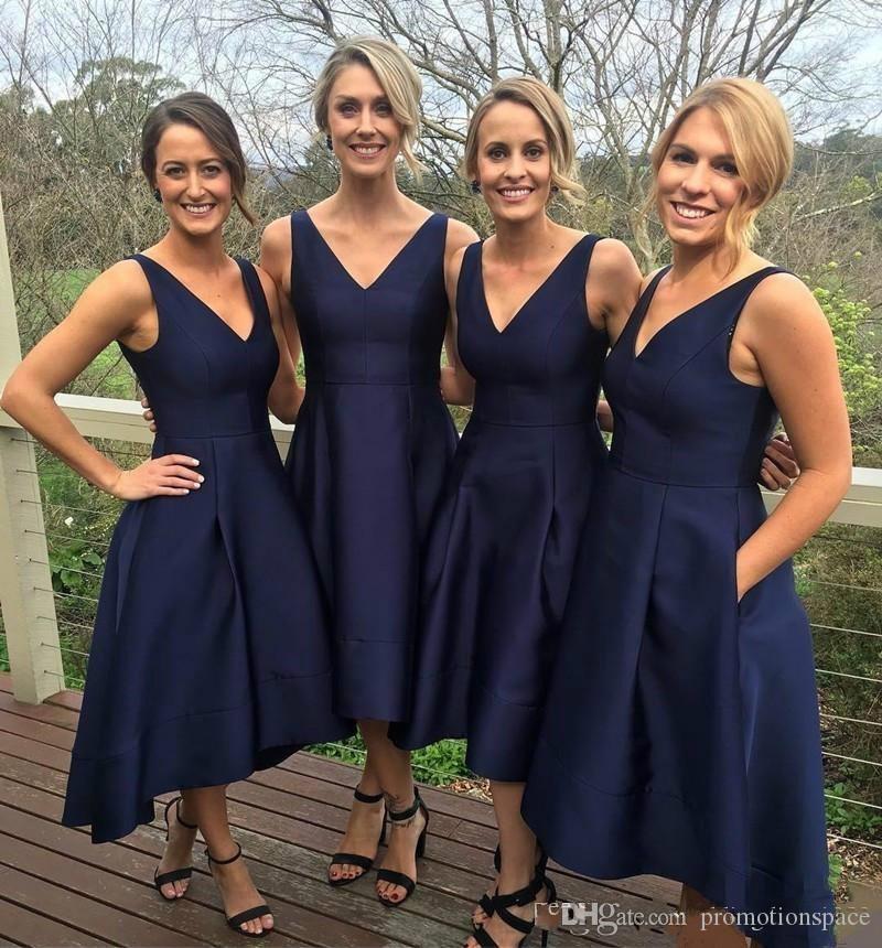 네이비 블루 2019 들러리 포켓 새틴 높은 V-Neck 간단한 하녀의 명예 드레스 저녁 파티 가운 공식 무도회 드레스