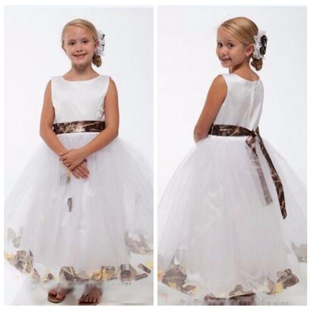 Vestido da menina de flor do tule branco do decote de Bateau com trem de camo Vestidos da festa de casamento do pequeno Princesa Camo com faixa de Removable