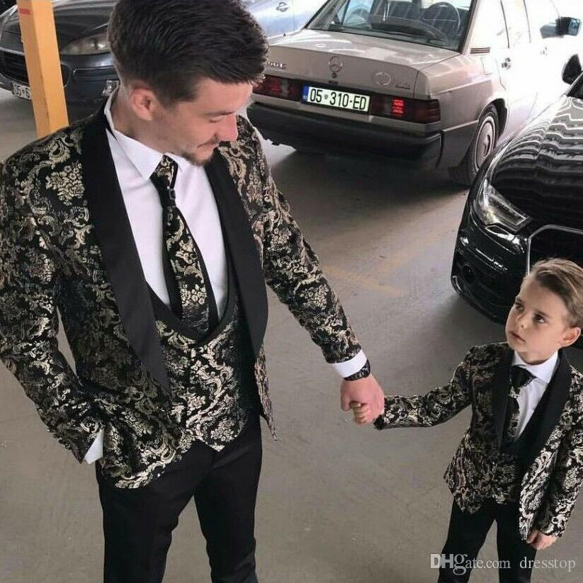 2019 Beach Groomsmen Tuxedos Peaked Lapel Mens Pattern Suits Wedding Tuxedos Custom Made Suit Men Prom Gowns