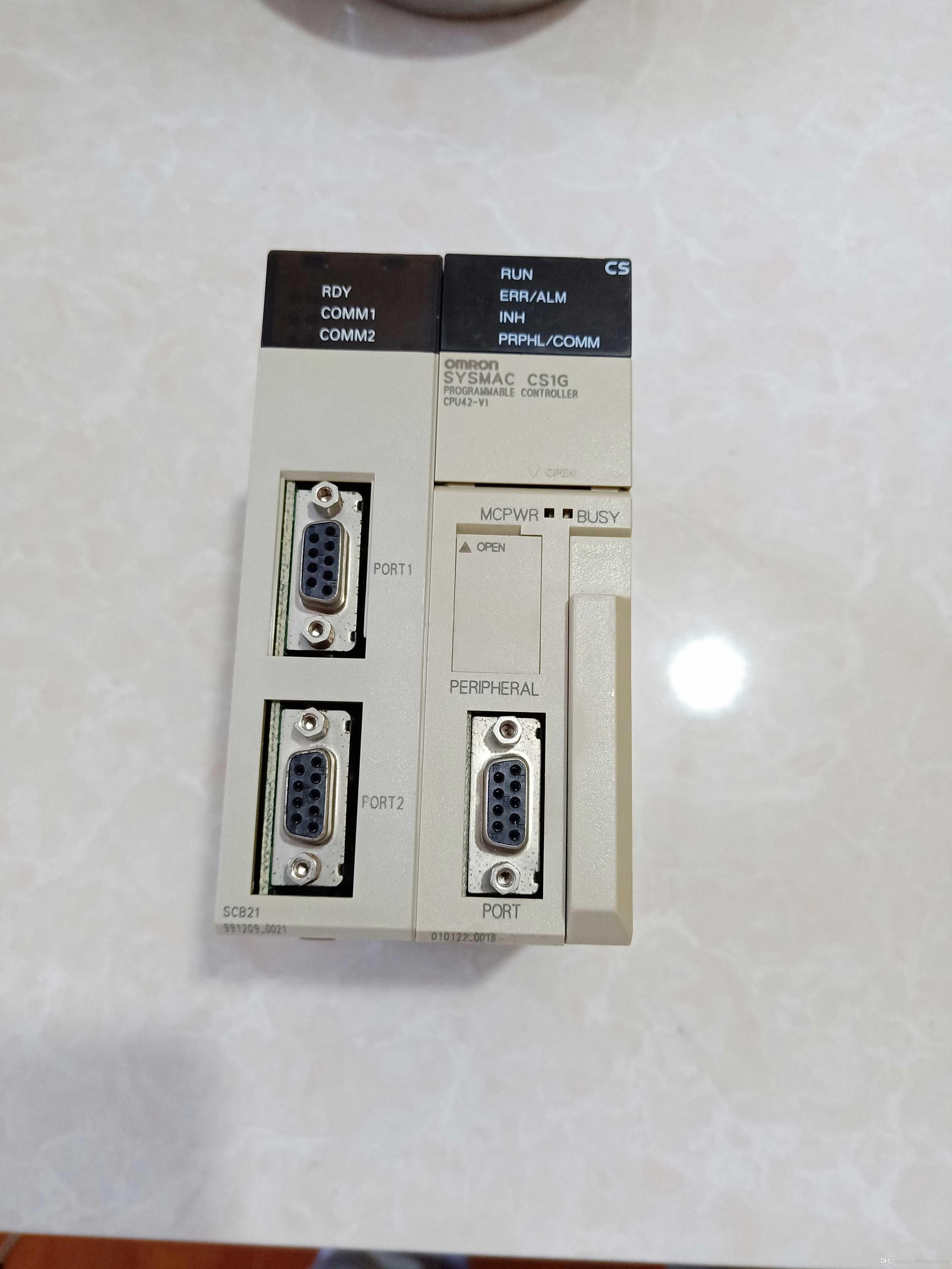 1 PCS Original OMRON PLC CS1W-SCB21 EXPEDITA LIVRE PORTÁTIL CS1WSCB21 Novo Na Caixa / Usado Em Bom Estado