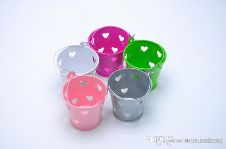 Hollow out heart bucket shaped candy box Multicolor metal sweet box Children festivals and wedding shower candy box