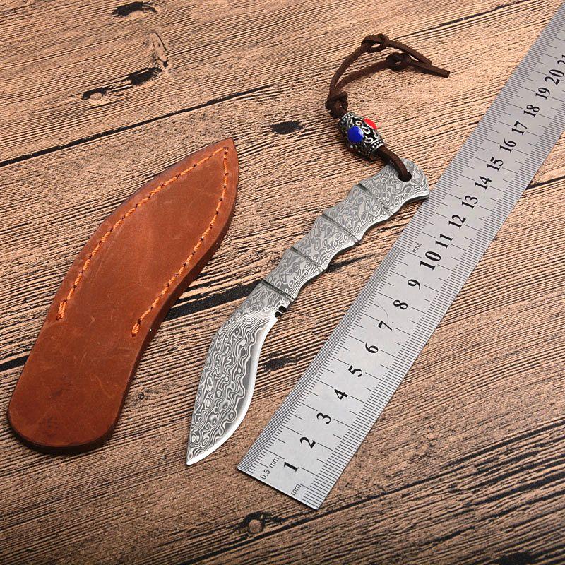 Nueva llegada Forma de pata de perro Damasco pequeño Cuchillo de hoja fija Cuchillo de acero de Damasco Cuchillos de mango lleno de espiga con funda de cuero