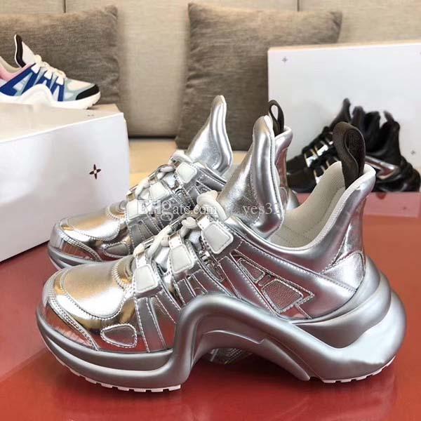 2020 mais novo lançamento Women / Men Casual Sapatos brilhantes cores da moda sapatos de alta Tops Sneakers Casal desenhista da estrela do Plataforma Shoes 34-45