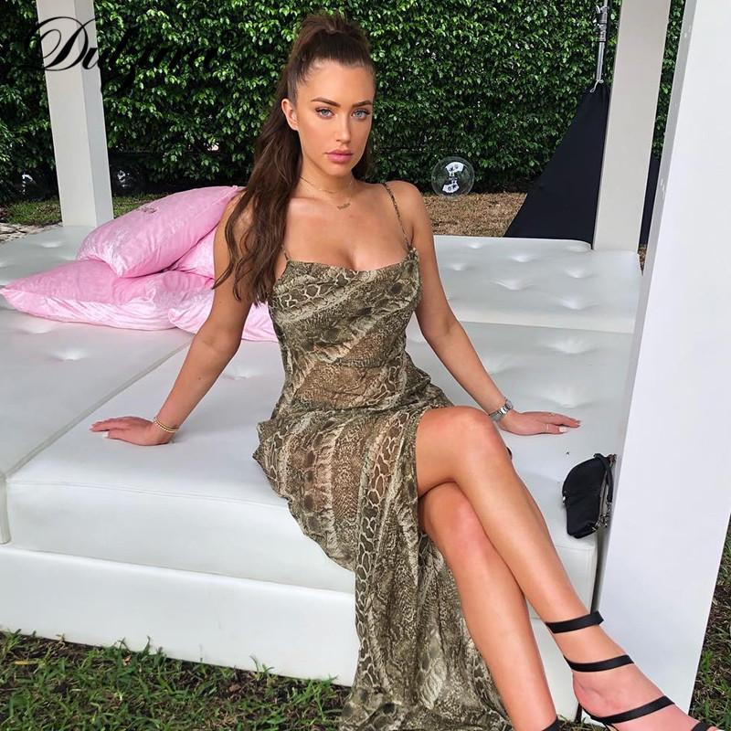 Yeni bahar kadınlar uzun parti elbise yılan baskı şifon vestidos kayış backless yarık zarif streetwear see through