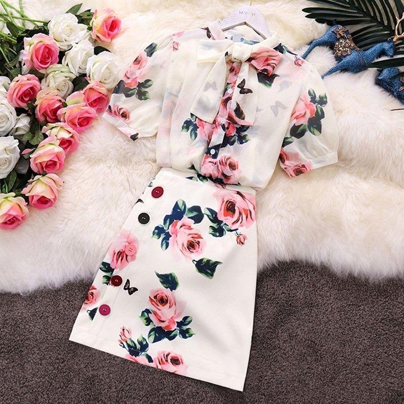 Le donne splendide di estate Pink Rose stampato insieme a due pezzi dolce dell'arco del collare Vedere attraverso la camicia in chiffon Top + Tasto variopinto Skirt Set T200702