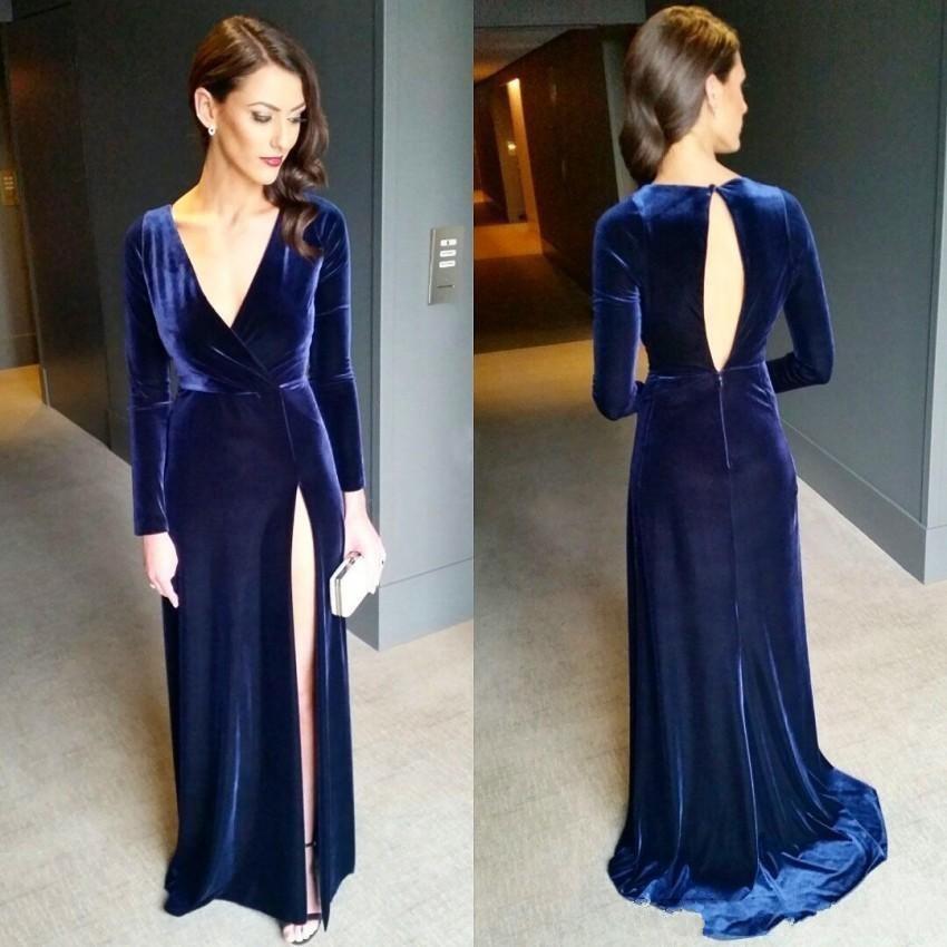 2020 elegante reizvolle Marine-Blau-lange Hülsen-Abend-Kleid mit V-Ausschnitt Hoch Split Open Back bodenlangen Velvet Abendkleider Promi-Kleider
