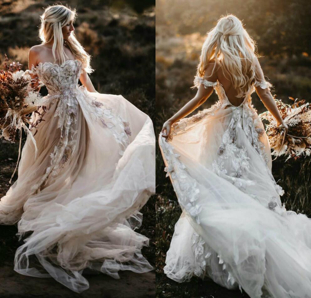 2020 Böhmische Brautkleider aus Schulter 3D Blume Applizierte Brautkleider Eine Linie Illusion Tüll Strand Hochzeitskleid