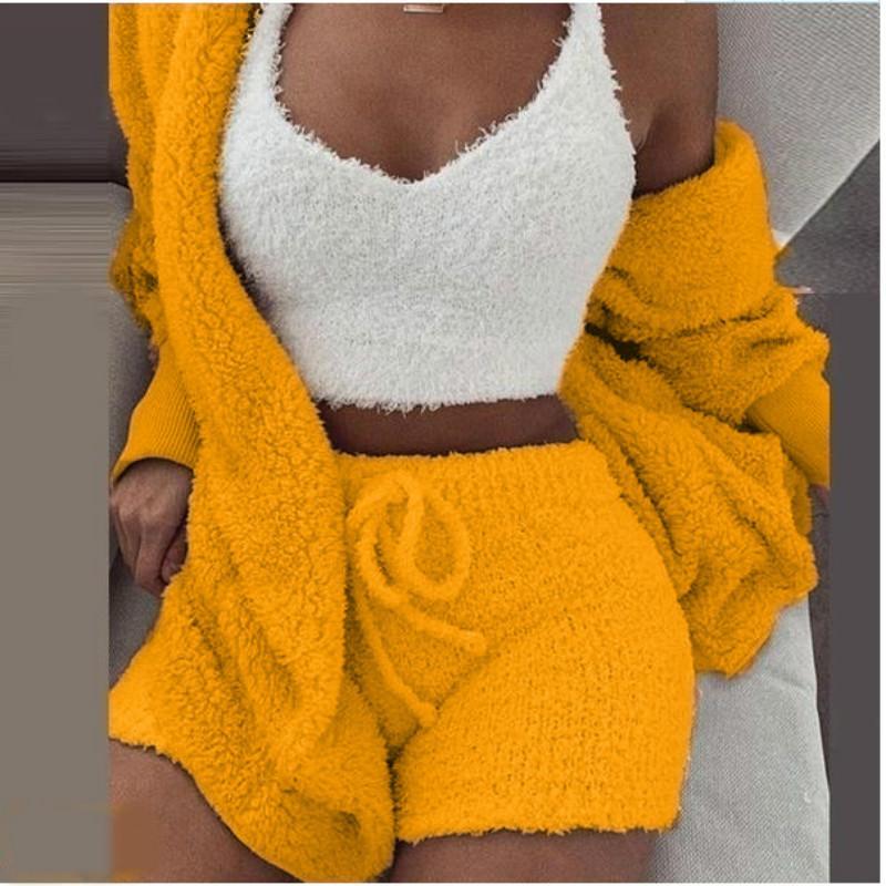 الشتاء الرئيسية الملابس الكاجوال 3 قطع المرأة القطيفة دافئ منامة طويلة الأكمام سترة المحاصيل القمم سروال قصير ومعطف Pijamas ملابس النوم البدلة