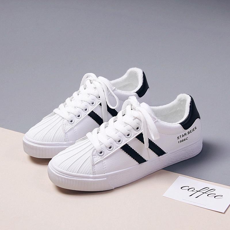بيير 2019 الخريف النسخة الكورية من الأحذية الجديدة صغيرة بيضاء الطالبات جوكر شقة الأحذية والجلود قماش والأحذية القطن عارضة