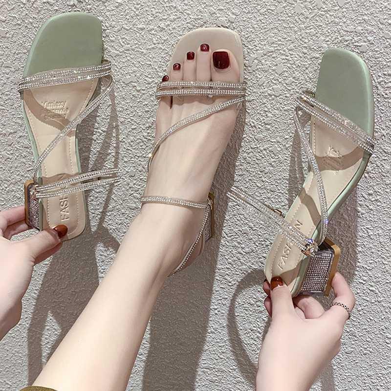 Compre 2019 Verano De La Hebilla De La Correa De La Sandalia De Tacón Alto Para Las Sandalias De Tiras De Banda Elástica Talones Venta De Los Zapatos De Las Mujeres Traje