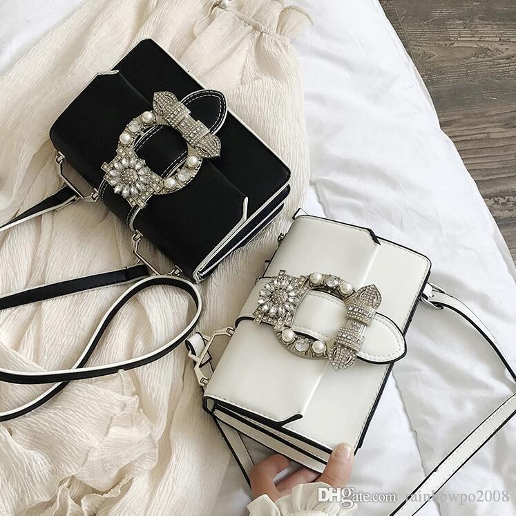 wholesale brand women handbag summer Pearl diamond small square bag foreign gas Joker diamond clutch bag personality diamond buckle Messenge