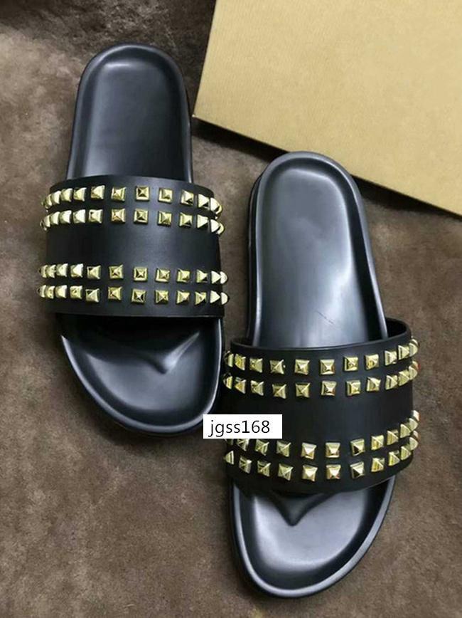 MEJOR CALIDAD Donna Zapatillas con tachuelas Diseñador de uñas de sauce zapatillas de goma de fondo suave hombres Remache Junior Spikes Flatslipperswith boxs