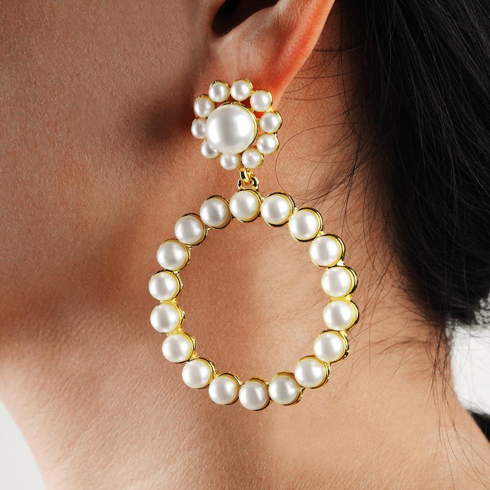 Women Fashion Elegant Pearl Big Hoop Earrings 2020 New Ladies Charm Circle-Shaped Gold Pearl Party Wedding Earrings Jewelry Gift Accessories