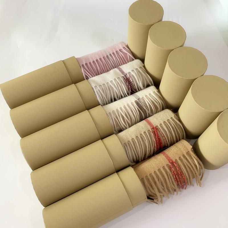 Avec boîte à tubes de rouleau cadeau 2021 mode hiver luxe 100% cachemire foulard pour hommes et femmes design original classique grand chèque chèques châles châles pashmina infiniment écharpes